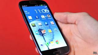 سامسونغ تعيد طرح تحديث للهاتف الذكي غالاكسي S3 بعد محاولة فاشلة