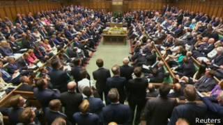 سياسيون ينتقدون خطط زيادة رواتب البرلمانيين في بريطانيا