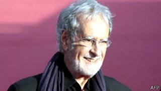 وفاة المخرج الفرنسي إدوار مولينارو