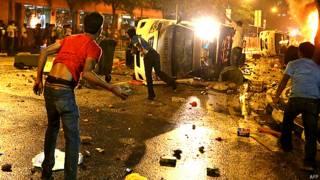 सिंगापुर में फैली हिंसा