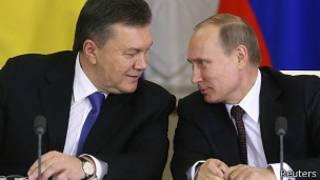 ولادیمیر پوتین، رئیسجمهوری روسیه در دیدار با ویکتور یانوکوویچ، رئیسجمهوری اوکراین