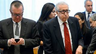 Lakhdar Brahimi has embarked on a series of meetings with Russian and American diplomats in Geneva