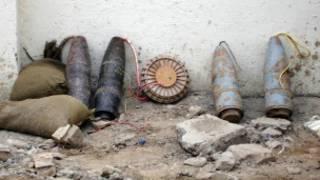 بمب کنار جادهای (عکس از آرشیو)