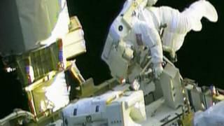 नासा के अंतरिक्ष यात्री की स्पेसवाक