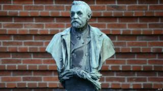 Alfred Nobel'in büstü
