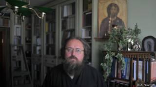 Андрей Кураев с иконой