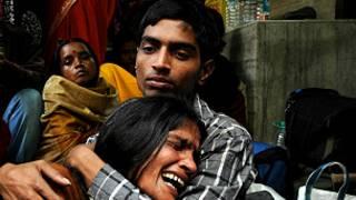 Протесты в Калькутте после смерти жертвы изнасилования и поджога
