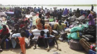 शरणार्थीहरु