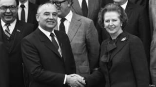 Qorbaçov və Thatcher