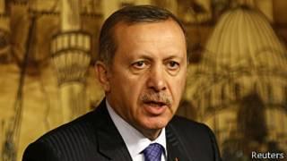 Turquía: Erdogan apoya un segundo juicio a militares condenados