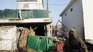 Restaurante destruído em atentado em Cabul na sexta-feira (AFP)