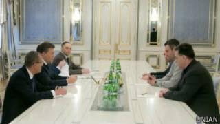 Янукович і опозиція