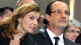 Valerie Trierweiler e François Hollande | Crédito: Reuters