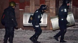 Милиция покидает Украинский дом