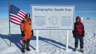 亨利(左)與同伴抵達南極