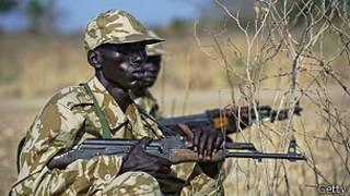 Soldado del Ejército de Liberación Popular en Sudán del Sur