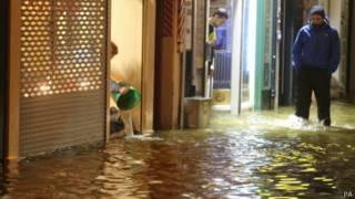 Затопленные районы в городе Корк