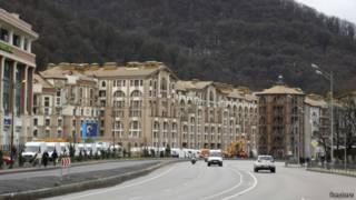 Отели и торговые центры в Красной Поляне