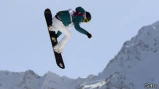 Torah Bright, de Australia, compite en snowboard