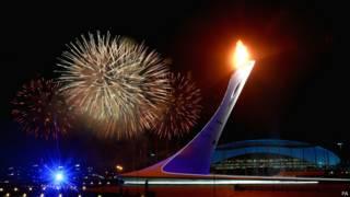 सोची शीतकालीन ओलंपिक खेलों की रंगारंग शुरुआत