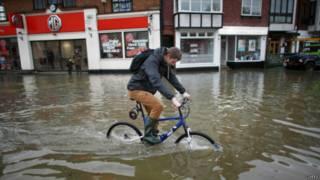 ब्रिटेन में बाढ़