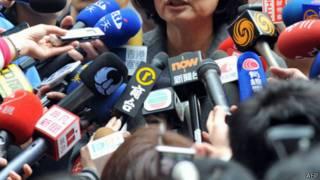 香港與台灣記者在採訪(資料圖片)