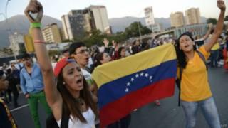 Manifestações de estudantes em Caracas   Foto: AFP