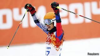 Ванесса Мэй на финише слаломной трассы в Сочи