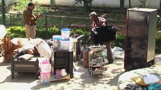 सीता सोरेने के घर से सामान की कुर्की