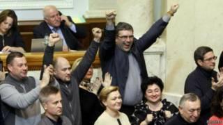 Politisi oposisi