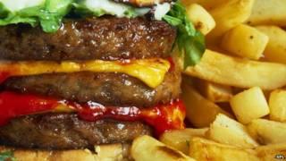 توصل باحثون أمريكيون إلى أن اللحوم المشوية والمقلية تنتج مواد كيميائية قد تزيد من خطر الإصابة بالخرف.