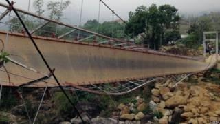 Cầu treo ở làng Chu Va 6, huyện Tam Đường, tỉnh Lai Châu