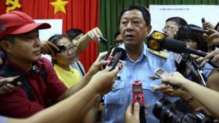 Thiếu tướng Đỗ Minh Tuấn trả lời báo chí