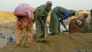 هل يوجد بالفعل 21 مليونا من العبيد في شتى أرجاء العالم؟