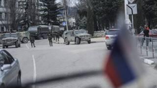 قوات روسية تستعد للانتشار في شبه جزيرة القرم