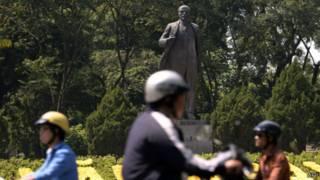 Памятник Ленину в Ханое