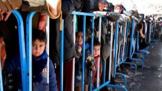 اطفال سوريون في مخيم للاجئين في لبنان