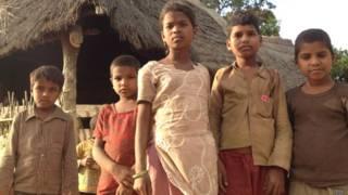 भारत नेपाल सीमा पर बसे लौकी कला गाँव के बच्चे