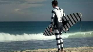 Roupa contra tubarões (BBC)