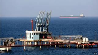 منظر عام لميناء الحريقة النفطي في ليبيا في 20 أغسطس/ آب 2013