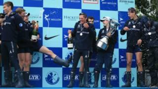 牛劍年度划船賽,牛津隊大優勢勝出