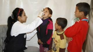 تلقيح الأطفال في لبنان ضد شلل الأطفال
