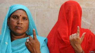 Две женщины, индуистка и мусульманка