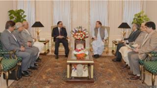 पाकिस्तान में नवाज शरीफ और जरदारी की बैठक
