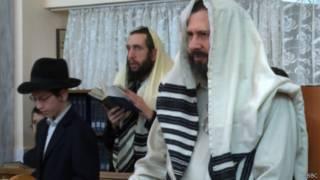 Евреи молятся в донецкой синагоге 18 апреля
