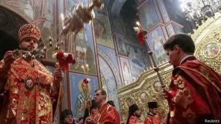 Пасхальная служба в Михайловском соборе в Киеве