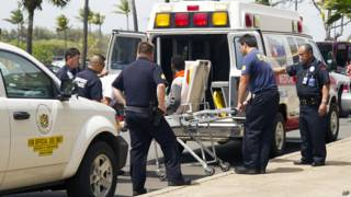 jovem de 16 anos sobreviveu a uma viagem de cinco horas dentro da cavidade do trem de pouso de um avião | Crédito: AP