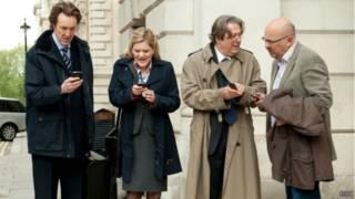 چند نفر با تلفن هوشمند