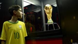 Taça da Copa do Mundo (Foto: Inovafoto/Divulgação)