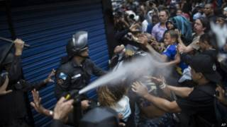 Столкновения в Рио